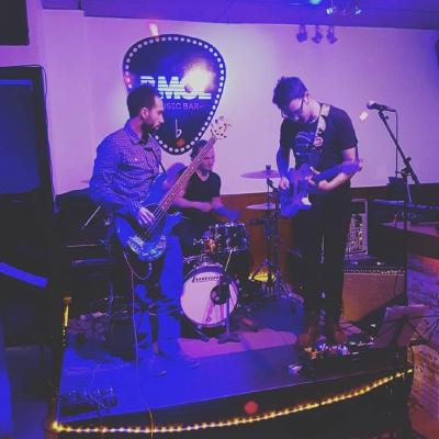 BMOL Music Club