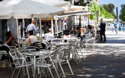 La FECASARM sol·licita ampliar horaris de terrasses a Barcelona i Girona per salvar negocis i llocs de treball